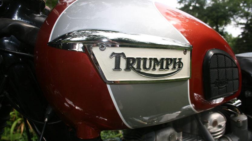 1969 Triumph Bonneville T120R 650 CC presented as lot T63 at Dallas, TX 2011 - image3