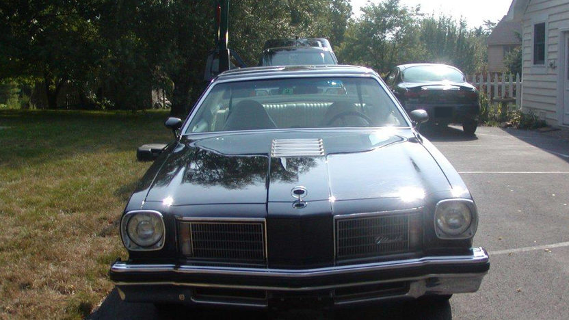 1975 Oldsmobile Hurst Cutlass W-30 455 CI, Automatic presented as lot T78 at Dallas, TX 2011 - image2
