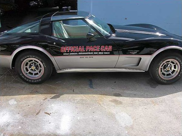 1978 Chevrolet Corvette Coupe Pace Car Replica, 350 CI, Automatic presented as lot T167 at Kissimmee, FL 2009 - image5