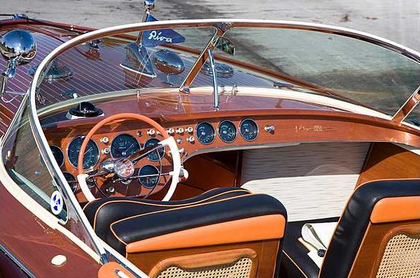 1966 Riva Super Aquarama Hull #125 Carlo Riva/Cal Connell Series II Prototype presented as lot S159 at Kissimmee, FL 2010 - image3