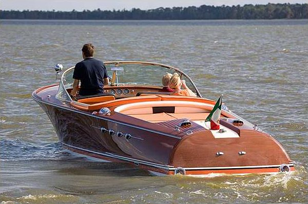1966 Riva Super Aquarama Hull #125 Carlo Riva/Cal Connell Series II Prototype presented as lot S159 at Kissimmee, FL 2010 - image8