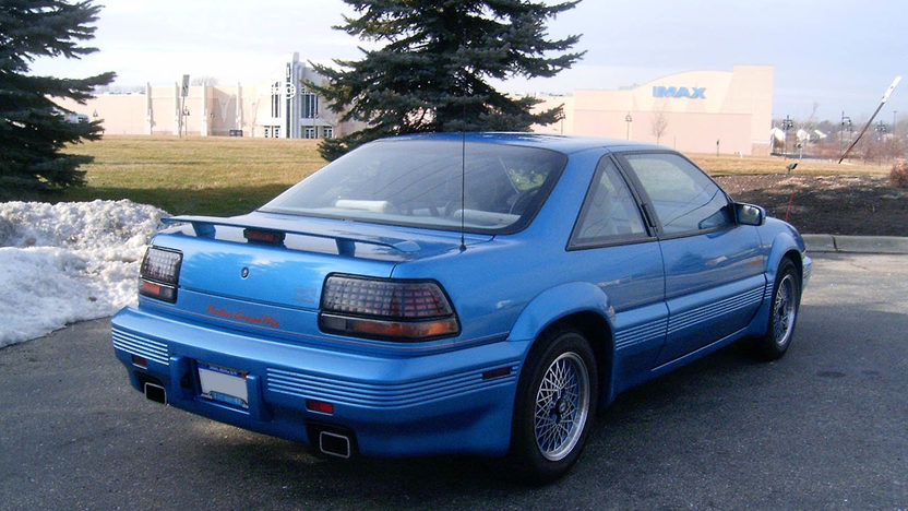 1992 Pontiac Grand Prix Richard Petty Edition 3-Speed Automatic presented as lot W33 at Kissimmee, FL 2011 - image3