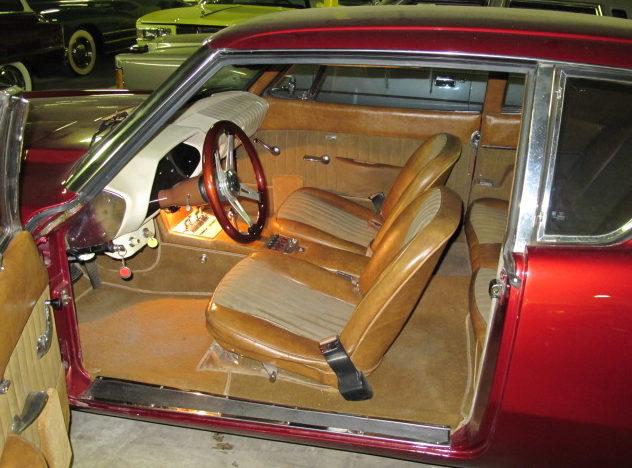 1963 Studebaker Avanti 2-Door 350 CI, Automatic presented as lot W47 at Kissimmee, FL 2011 - image3