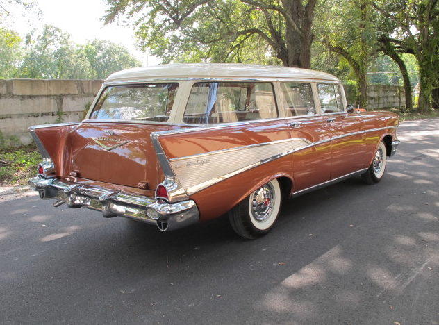 1957 Chevrolet Bel Air Station Wagon 283 CI, Automatic presented as lot W55 at Kissimmee, FL 2011 - image2