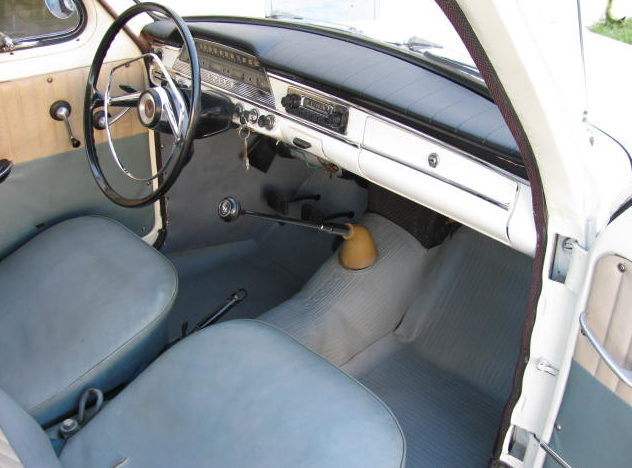 1959 Volvo PV544 2-Door 4-Speed presented as lot T137 at Kissimmee, FL 2011 - image6
