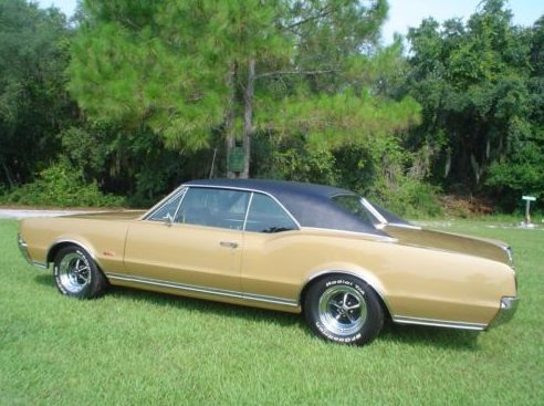 1967 Oldsmobile 442 400 CI presented as lot F33 at Kissimmee, FL 2011 - image2