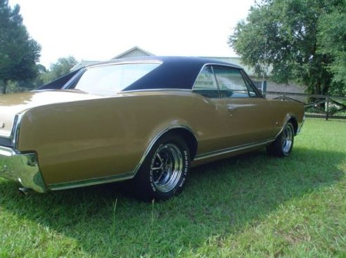 1967 Oldsmobile 442 400 CI presented as lot F33 at Kissimmee, FL 2011 - image5