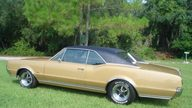 1967 Oldsmobile 442 400 CI presented as lot F33 at Kissimmee, FL 2011 - thumbail image2