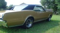 1967 Oldsmobile 442 400 CI presented as lot F33 at Kissimmee, FL 2011 - thumbail image5