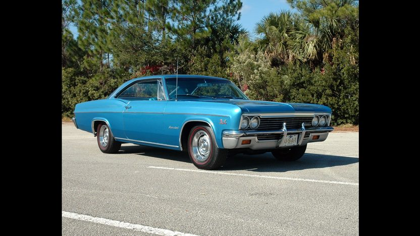 1966 Chevrolet Impala SS 427/425 HP, 4-Speed presented as lot S262 at Kissimmee, FL 2011 - image2