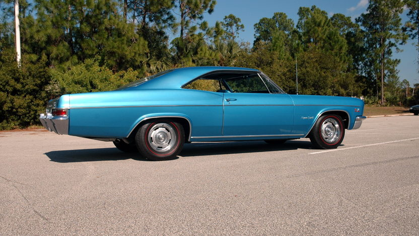 1966 Chevrolet Impala SS 427/425 HP, 4-Speed presented as lot S262 at Kissimmee, FL 2011 - image3