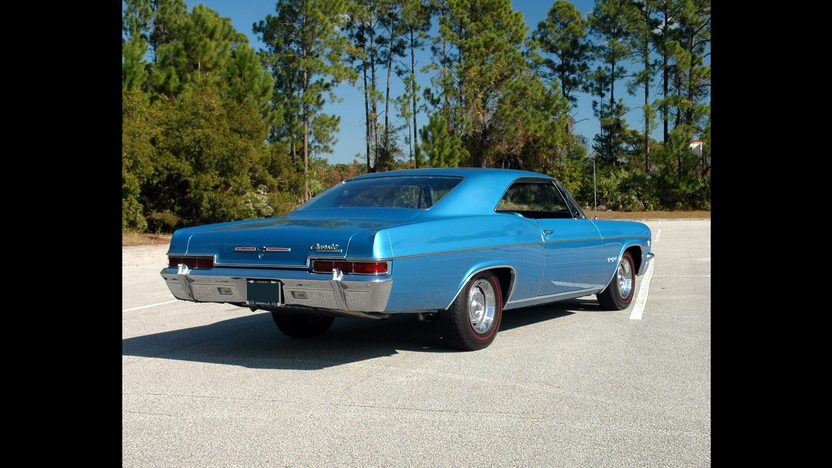 1966 Chevrolet Impala SS 427/425 HP, 4-Speed presented as lot S262 at Kissimmee, FL 2011 - image4