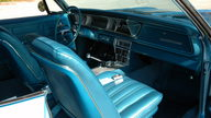 1966 Chevrolet Impala SS 427/425 HP, 4-Speed presented as lot S262 at Kissimmee, FL 2011 - thumbail image5