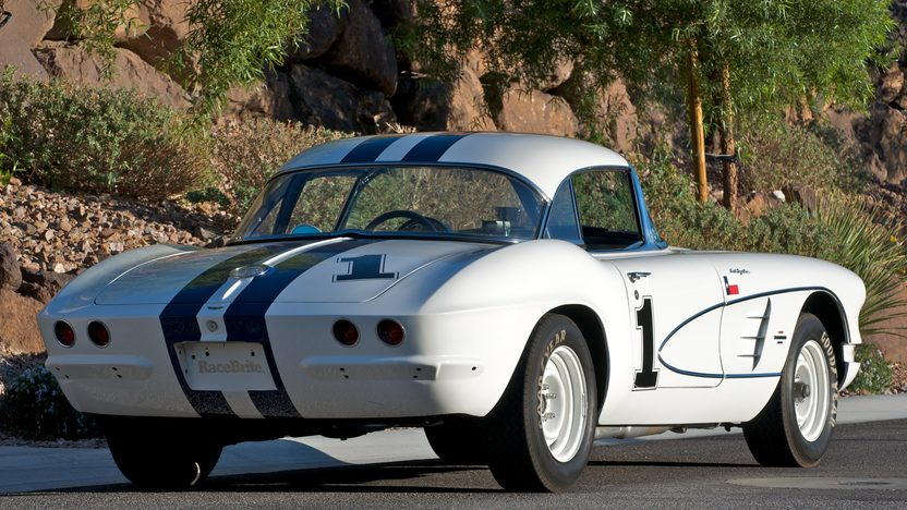 1961 Chevrolet Corvette Race Car 283/315 HP, 4-Speed presented as lot S109 at Kissimmee, FL 2011 - image3