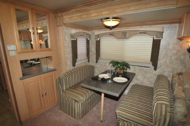 2006 Coachmen Cross Country SE Motorhome 300 HP presented as lot G338 at Kissimmee, FL 2012 - image5