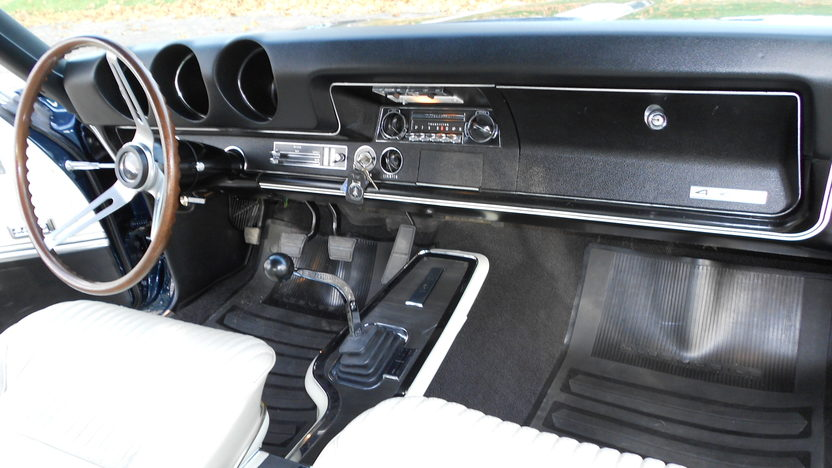 1968 Oldsmobile 442 Convertible 400 CI, 4-Speed presented as lot S50.1 at Kissimmee, FL 2012 - image6