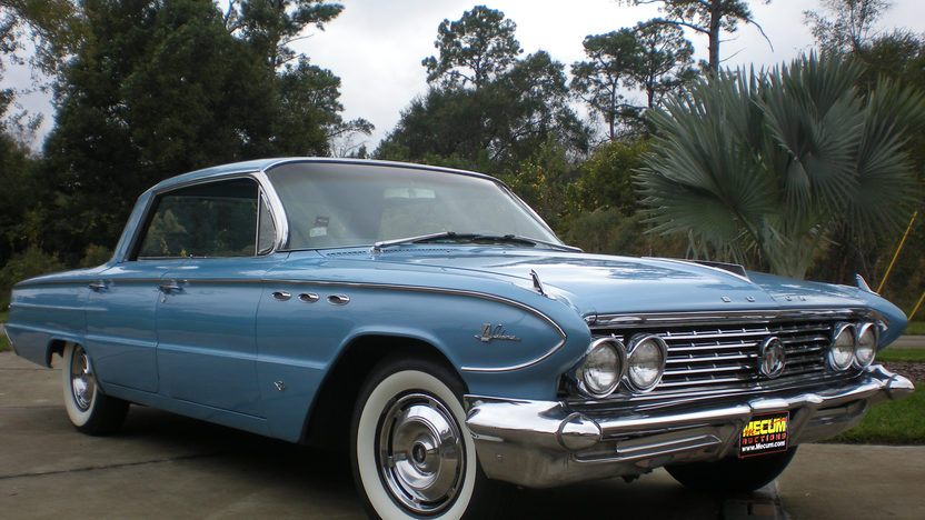 1961 Buick Lesabre 4-Door Hardtop 364 CI, Automatic presented as lot H21 at Kissimmee, FL 2012 - image8