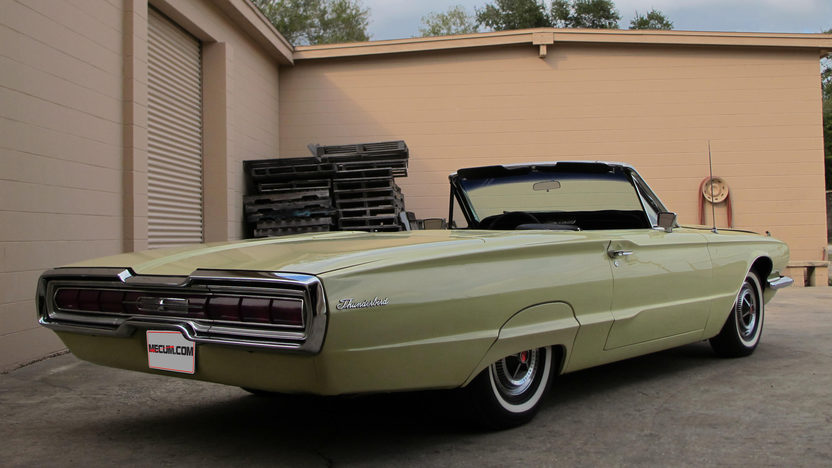 1966 Ford Thunderbird Convertible 390 CI, Automatic presented as lot G68 at Kissimmee, FL 2013 - image3