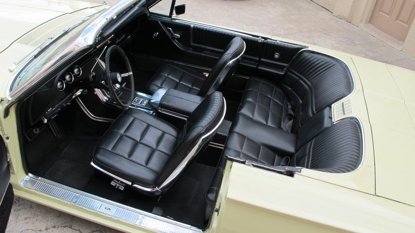 1966 Ford Thunderbird Convertible 390 CI, Automatic presented as lot G68 at Kissimmee, FL 2013 - image4