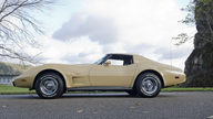 1977 Chevrolet Corvette Coupe Bloomington Gold Benchmark presented as lot G142 at Kissimmee, FL 2013 - thumbail image3
