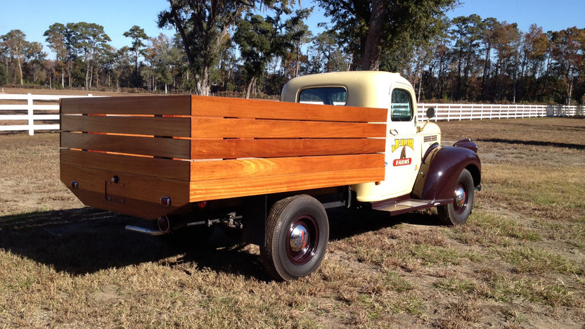 1941 Chevrolet Tobacco Pickup presented as lot G212 at Kissimmee, FL 2013 - image10