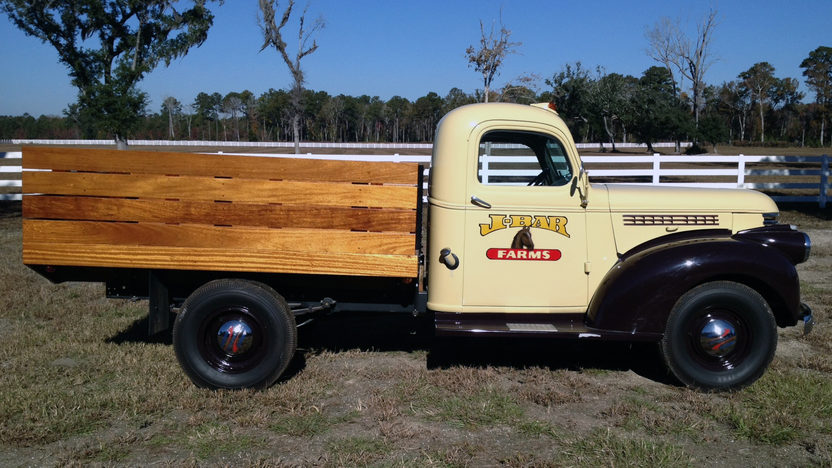 1941 Chevrolet Tobacco Pickup presented as lot G212 at Kissimmee, FL 2013 - image2
