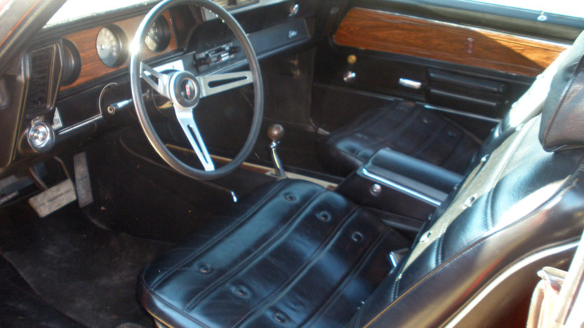1972 Oldsmobile Cutlass 442 350 CI, Automatic presented as lot G227 at Kissimmee, FL 2013 - image3