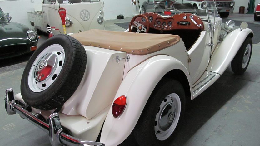 1973 Volkswagen 1952 MG TD Replica Convertible presented as lot G233 at Kissimmee, FL 2013 - image9