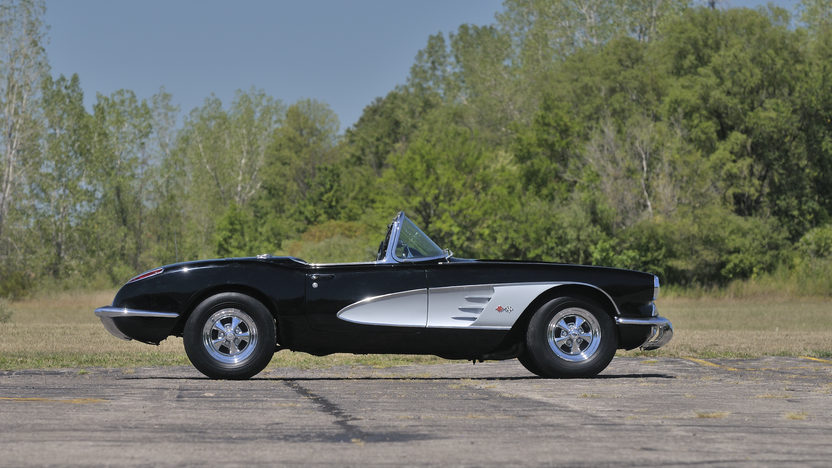 1960 Chevrolet Corvette Convertible 283/270 HP, 4-Speed presented as lot W149 at Kissimmee, FL 2013 - image2