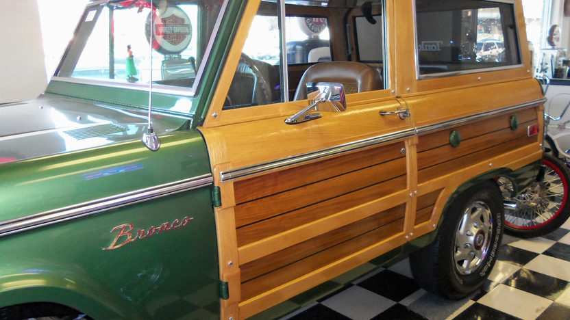 1974 Ford Bronco Woody 302 CI, Automatic presented as lot W162 at Kissimmee, FL 2013 - image8