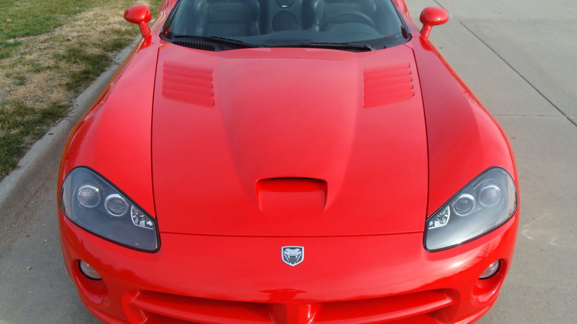 2004 Dodge Viper SRT/10 Convertible 505 CI, 6-Speed, 8,000 Miles presented as lot W213 at Kissimmee, FL 2013 - image9