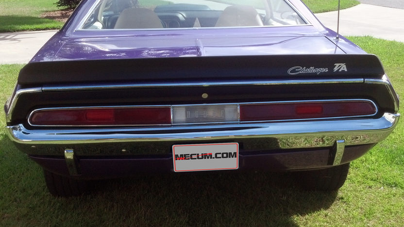 1970 Dodge Challenger T/A 340/290 HP, Automatic presented as lot W249 at Kissimmee, FL 2013 - image3