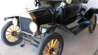 1915 Ford Model T Roadster presented as lot W306 at Kissimmee, FL 2013 - thumbail image2