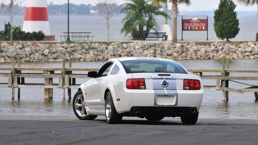 2007 Ford Shelby GT presented as lot W321 at Kissimmee, FL 2013 - image12