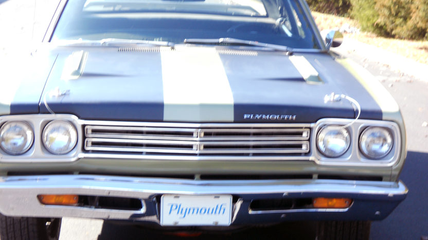 1969 Plymouth Belvedere Road Runner Replica 383/335 HP, 4-Speed presented as lot W329 at Kissimmee, FL 2013 - image8