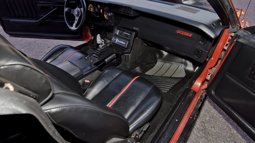 1985 Chevrolet Camaro Z28 383 CI, Automatic presented as lot W337 at Kissimmee, FL 2013 - image7