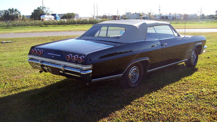 1965 Chevrolet Impala Convertible 409/340 HP, 4-Speed presented as lot W341 at Kissimmee, FL 2013 - image2