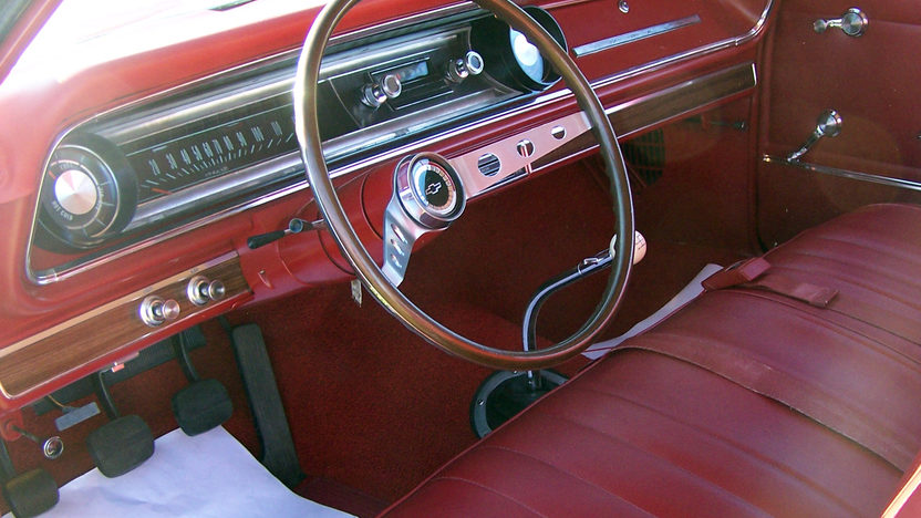 1965 Chevrolet Impala Convertible 409/340 HP, 4-Speed presented as lot W341 at Kissimmee, FL 2013 - image3