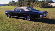 1965 Chevrolet Impala Convertible 409/340 HP, 4-Speed presented as lot W341 at Kissimmee, FL 2013 - thumbail image5