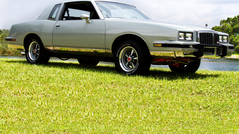 1987 Pontiac Grand Prix 350/425 HP, 5-Speed presented as lot T6 at Kissimmee, FL 2013 - image7