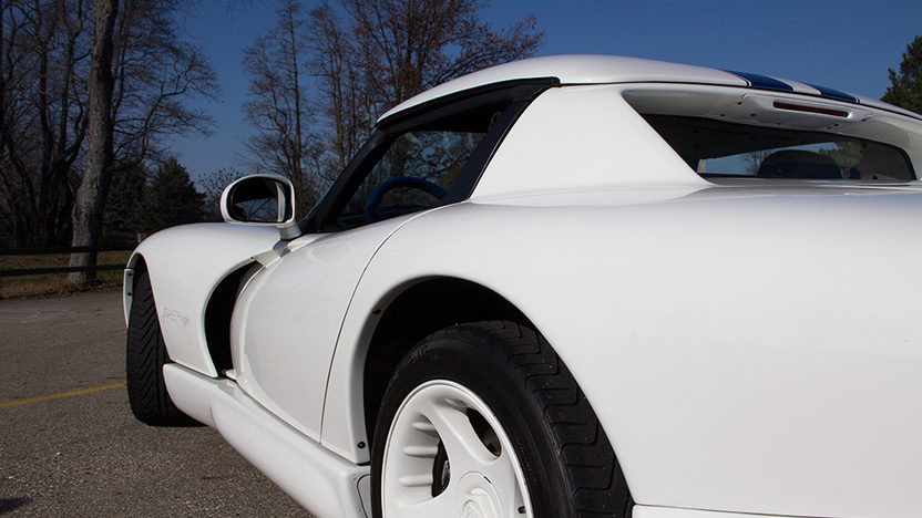 1996 Dodge Viper RT/10 Convertible 8.0L, 6-Speed presented as lot T14 at Kissimmee, FL 2013 - image5