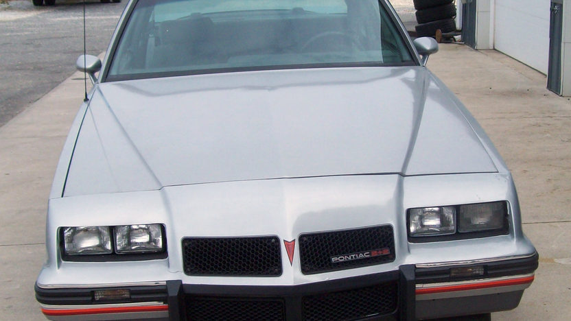 1986 Pontiac Grand Prix Coupe presented as lot T59 at Kissimmee, FL 2013 - image3