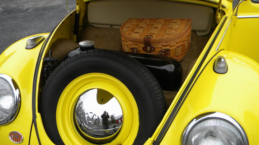 1960 Volkswagen Beetle Sunroof 40 HP, 4-Speed presented as lot T73 at Kissimmee, FL 2013 - image5