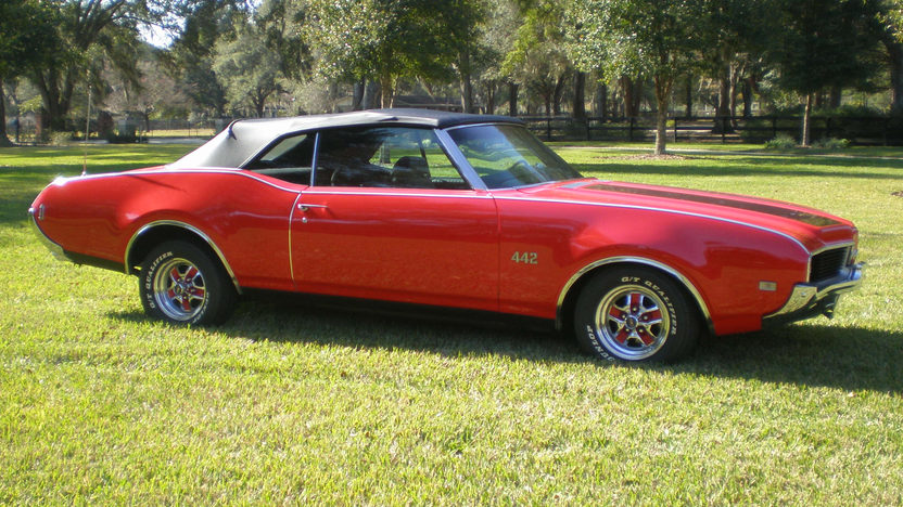 1969 Oldsmobile 442 Convertible presented as lot T163 at Kissimmee, FL 2013 - image2
