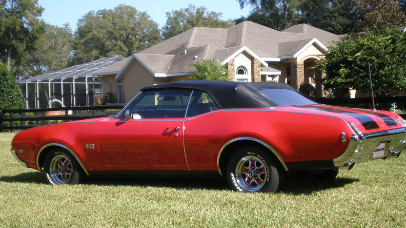 1969 Oldsmobile 442 Convertible presented as lot T163 at Kissimmee, FL 2013 - image3