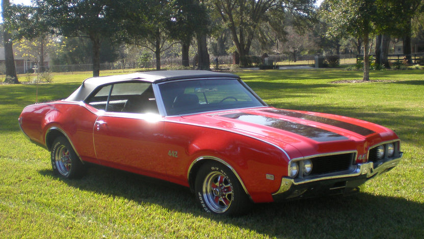 1969 Oldsmobile 442 Convertible presented as lot T163 at Kissimmee, FL 2013 - image6