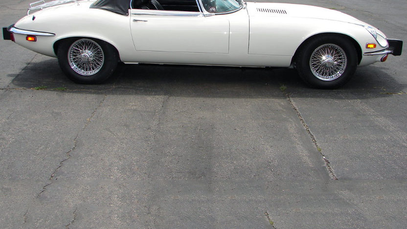1974 Jaguar XKE Convertible 5.3L, 4-Speed presented as lot T174 at Kissimmee, FL 2013 - image6
