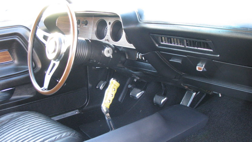 1970 Dodge Challenger R/T Se 383 CI, 4-Speed presented as lot T184 at Kissimmee, FL 2013 - image2