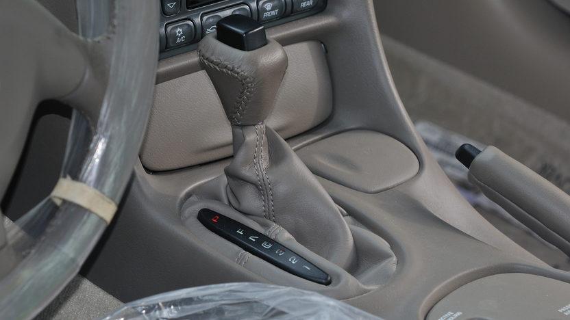 2004 Chevrolet Corvette Coupe The Last C5 Corvette Built presented as lot T259 at Kissimmee, FL 2013 - image5