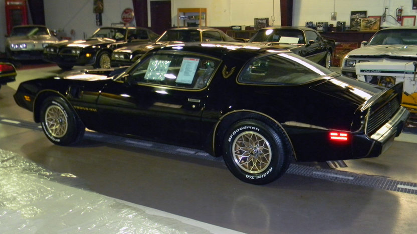 1980 Pontiac Trans Am SE Bandit 4.9/210 HP, Automatic presented as lot F17 at Kissimmee, FL 2013 - image6